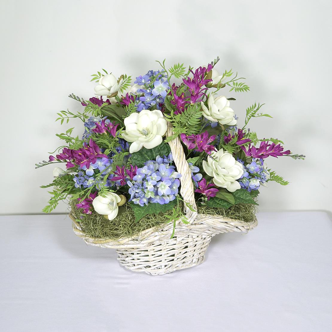 Quot hand picked flower basket centerpiece wreaths unlimited